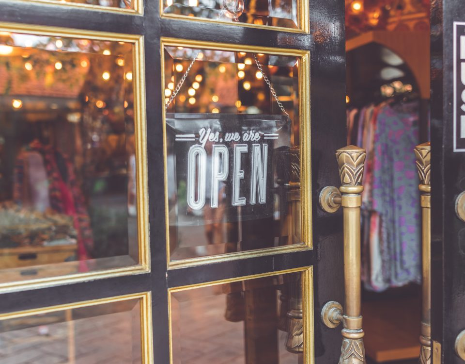 HOW TO RUN A SUCCESSFUL RETAIL BUSINESS